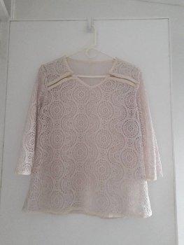 Foto Carousel Producto: Blusa beige hueca GoTrendier