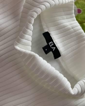 Foto Carousel Producto: Blusa de ELA completamente NUEVA GoTrendier