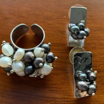Foto Carousel Producto: Anillo y aretes en perlas originales  GoTrendier