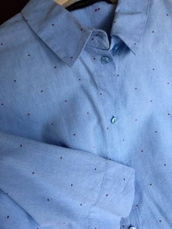 Foto Carousel Producto: Camisa zara azul puntos rojos GoTrendier