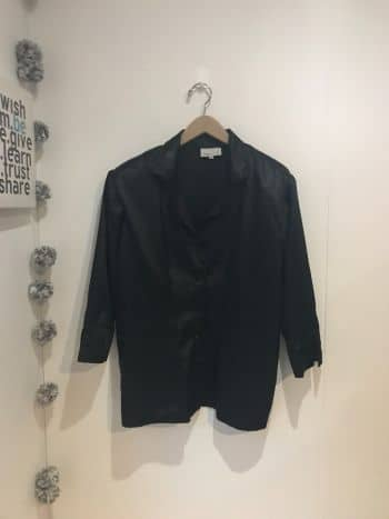 Foto Carousel Producto: Blusa negra manga 3/4 GoTrendier