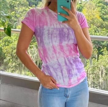 Foto Carousel Producto: Camiseta tendencia  GoTrendier