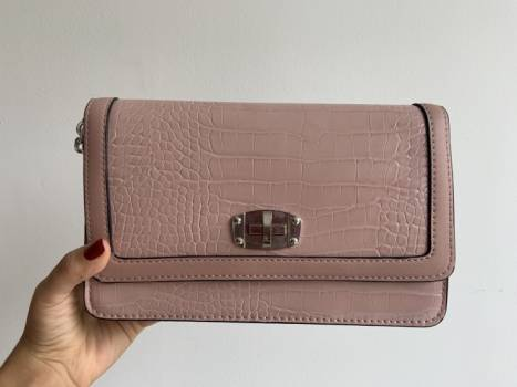Foto Carousel Producto: Bolso palo de rosa Stradivarius  GoTrendier