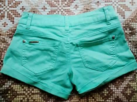 Foto Carousel Producto: Short corto Verde Aguamaria GoTrendier