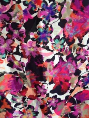 Foto Carousel Producto: Camisa corta flores rosadas GoTrendier