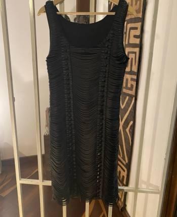 Foto Carousel Producto: Vestido negro taches y straps GoTrendier