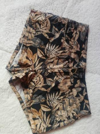 Foto Carousel Producto: Short tropical GoTrendier