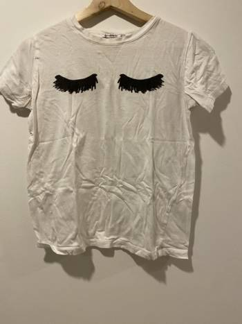 Foto Carousel Producto: Camiseta estampada pestañas GoTrendier