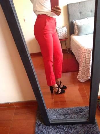 Foto Carousel Producto: Pantalon rojo talla 4 GoTrendier