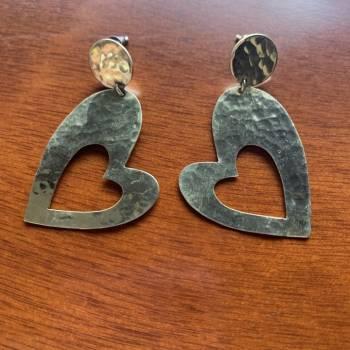 Foto Carousel Producto: Aretes de bronce martillado GoTrendier