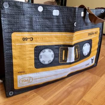 Foto Carousel Producto: Bolso Cassette Retro GoTrendier