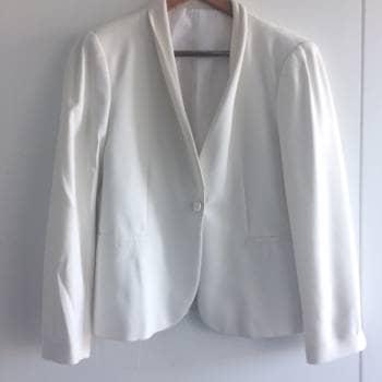 Foto Carousel Producto: Blazer blanco elegant. GoTrendier
