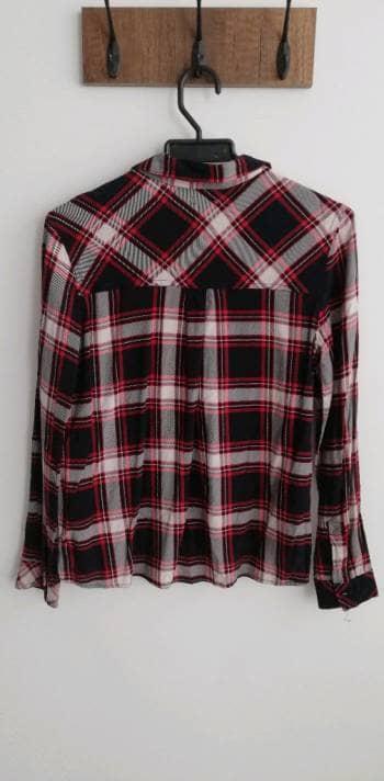 Foto Carousel Producto: Camisa Bershka GoTrendier