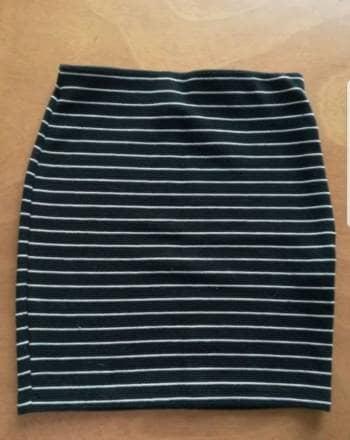 Foto Carousel Producto: Falda de rayas Zara GoTrendier