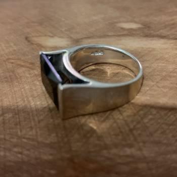 Foto Carousel Producto: Anillo plata con piedra negra  GoTrendier