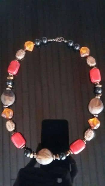 Foto Carousel Producto: Collar corto colores GoTrendier