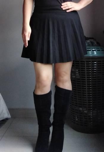 Foto Carousel Producto: Falda negra corta zara GoTrendier