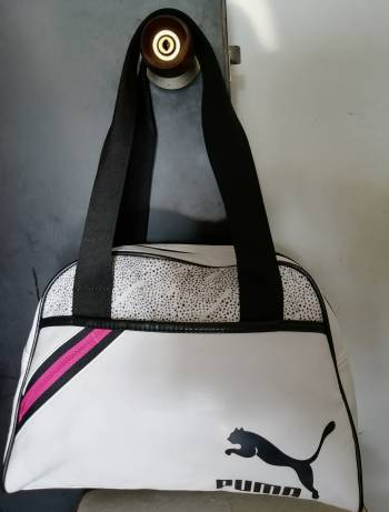 Foto Carousel Producto: Bolso de mano Puma GoTrendier