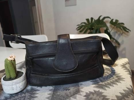 Foto Carousel Producto: Bolso negro GoTrendier
