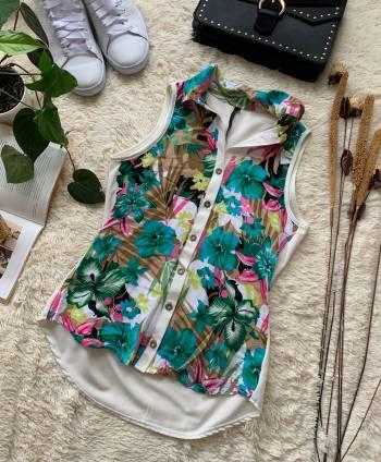 Foto Carousel Producto: VAMU003  Blusa blanca flores GoTrendier