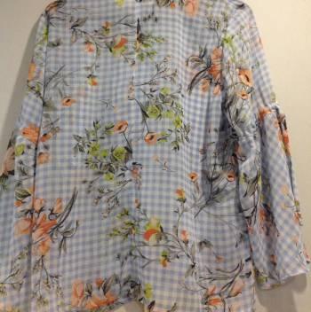 Foto Carousel Producto: Blusa estampada flores GoTrendier