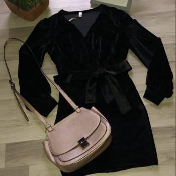 Foto Carousel Producto: Vestigo en gamuza negro GoTrendier