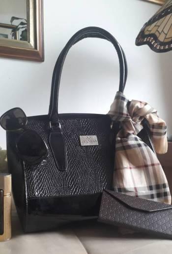 Foto Carousel Producto: Bolso en auténtico cuero con diseño GoTrendier