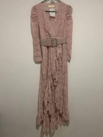 Foto Carousel Producto: Espectacular vestido de encaje  GoTrendier