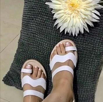 Foto Carousel Producto: Sandalias blancas GoTrendier