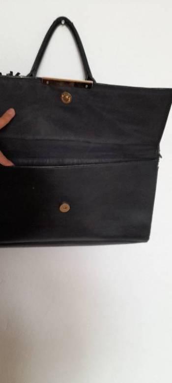 Foto Carousel Producto: Bolso negro con correa  GoTrendier