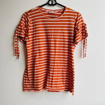 Foto Carousel Producto: Camiseta basica a rayas GoTrendier
