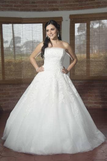 Foto Carousel Producto: Vestido Pronovias estilo princesa GoTrendier