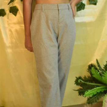 Foto Carousel Producto: Pantalón gris, tiro alto GoTrendier