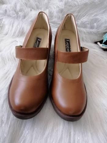 Foto Carousel Producto: Lindos zapatos tipo mafalda Miel GoTrendier