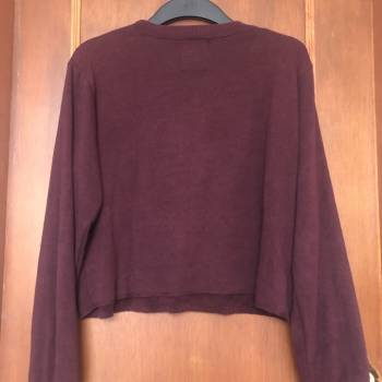 Foto Carousel Producto: Jersey vinotinto Pull&Bear GoTrendier