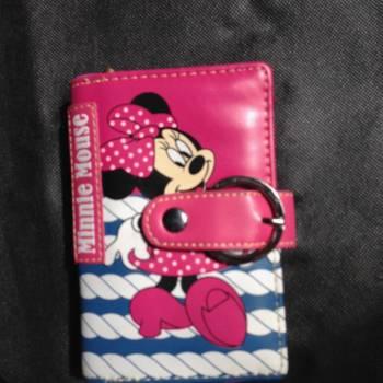 Foto Carousel Producto: Billetera minnie mouse  GoTrendier