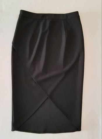 Foto Carousel Producto: Falda negra tubo talla M GoTrendier