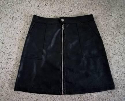 Foto Carousel Producto: Falda cuerto talla M nueva GoTrendier