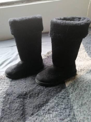 Foto Carousel Producto: Botas negras calientes  GoTrendier