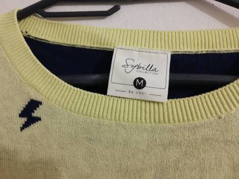 Foto Carousel Producto: Sweater amarillo GoTrendier