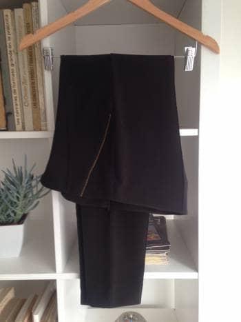 Foto Carousel Producto: Pantalón  negro liso GoTrendier
