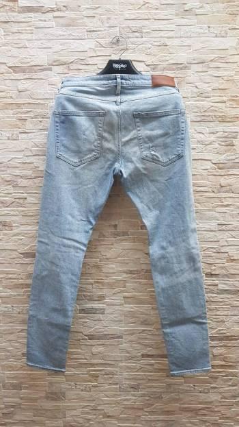 Foto Carousel Producto: Jeans H&M  desgastado  GoTrendier