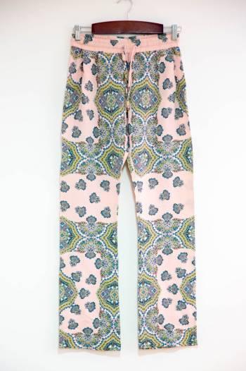 Foto Carousel Producto: Pantalón de arabescos GoTrendier