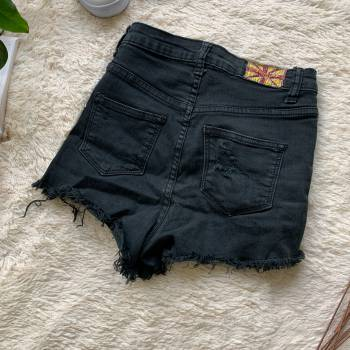 Foto Carousel Producto: MAM204   Short negro talle alto GoTrendier