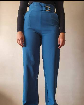 Foto Carousel Producto: Pantalon tiro alto bota ancha GoTrendier