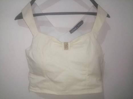 Foto Carousel Producto: Blusa corta elegante GoTrendier