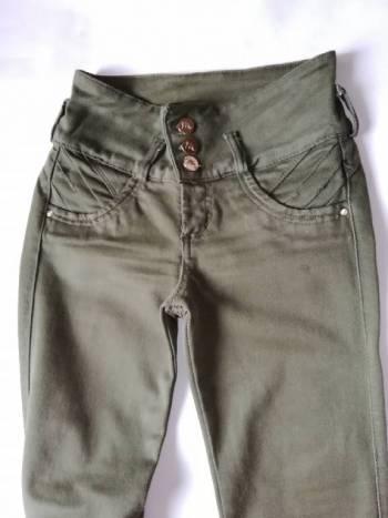 Foto Carousel Producto: Pantalón verde oliva levanta colá  GoTrendier