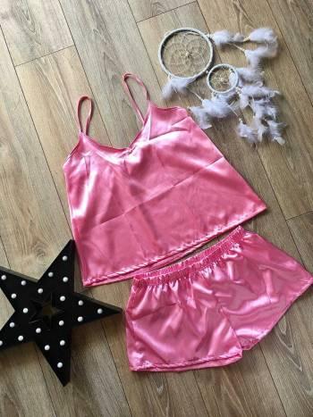 Foto Carousel Producto: Pijama satín Rosado Barbie GoTrendier