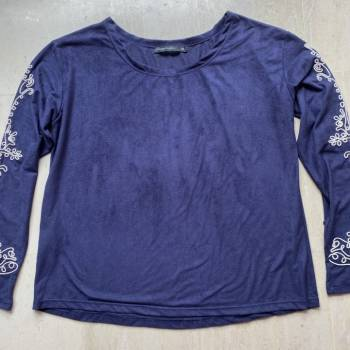 Foto Carousel Producto: Blusa con bordado  GoTrendier