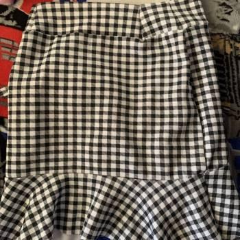 Foto Carousel Producto: Falda de cuadros (blanco y negro) GoTrendier